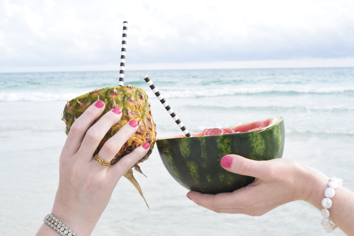 Travel-Beach-Wanderlust-fruit-pineapple-ocean